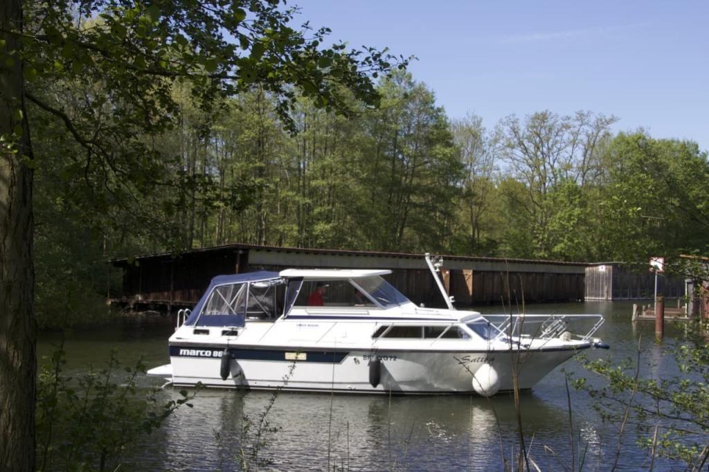 Stadtsee Lychen Motorboote