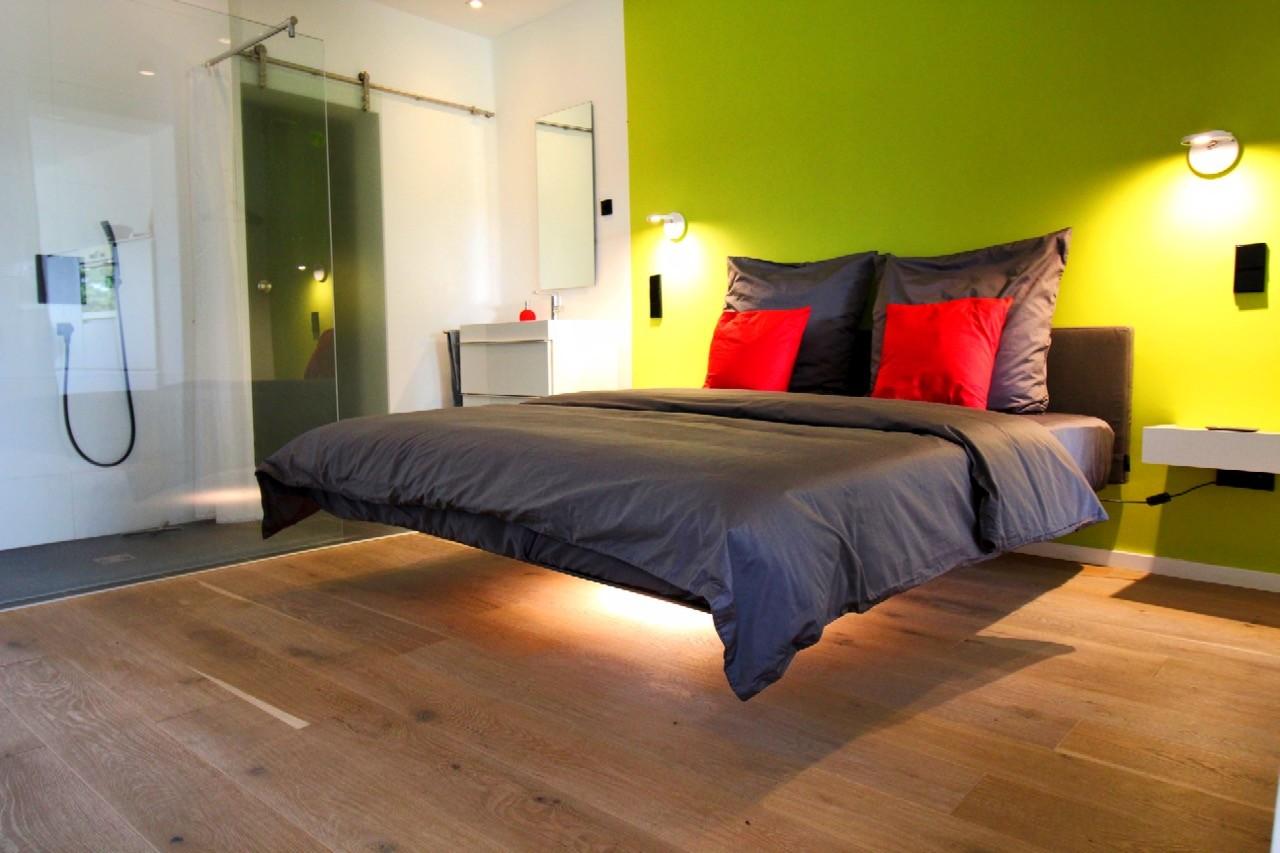 Bootschaft schwebendes Bett